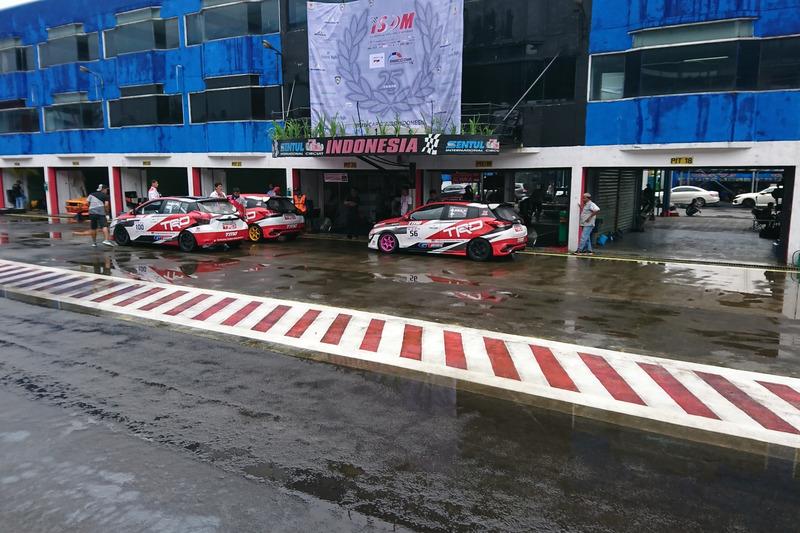 Toyota Team Indonesia setelah kualifikasi, Sabtu