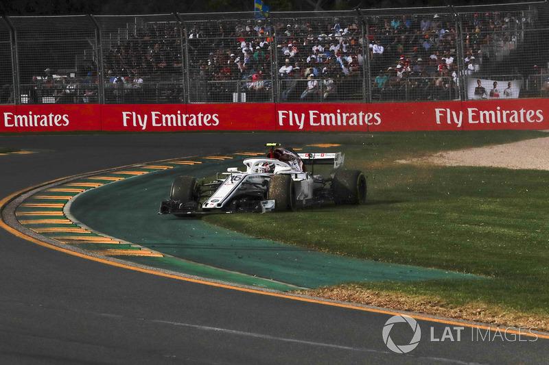 Charles Leclerc, Sauber C37, va largo
