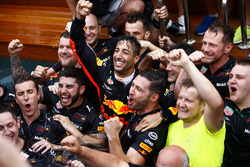 Daniel Ricciardo, Red Bull Racing, celebrates victory in the swimming pool on the Red Bull Energy Station with team members