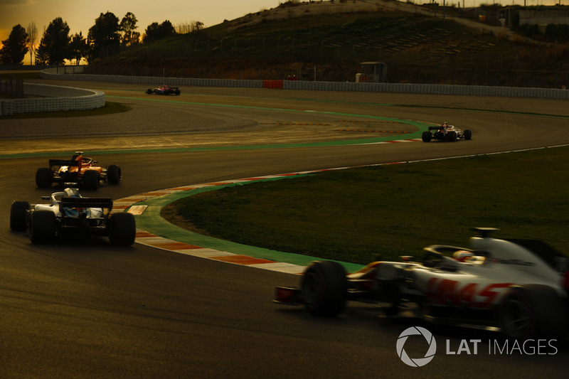 Kevin Magnussen, Haas F1 Team VF-18, Lance Stroll, Williams FW41, Sebastian Vettel, Ferrari SF71H y Marcus Ericsson, Sauber C37