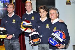 Гонщики Racing Team Nederland Фриц ван Эрд, Гидо ван дер Гарде, Ян Ламмерс и Ник де Врис