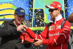 Sebastian Vettel, Ferrari signs autograph