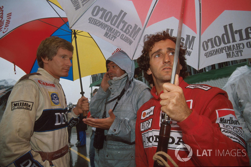 Alain Prost, McLaren with Thierry Boutsen, Williams the grid waiting for the start