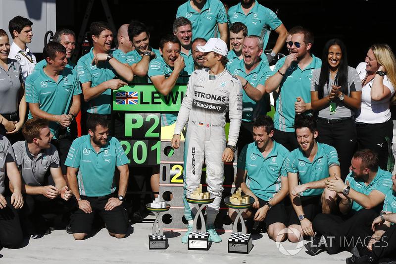 Le vainqueur Nico Rosberg, Mercedes