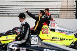 Simon Pagenaud, Team Penske Chevrolet scatta un selfie