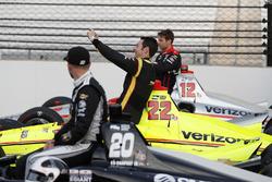 Simon Pagenaud, Team Penske Chevrolet takes a selfie