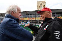Гоночний директор FIA Чарлі Вайтінг, невиконавчий директор Mercedes AMG F1 Нікі Лауда