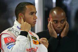 Lewis Hamilton, McLaren MP4-22 and father Anthony