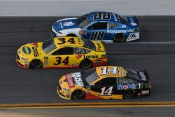 Michael McDowell, Front Row Motorsports Ford Fusion, Clint Bowyer, Stewart-Haas Racing, Rush Truck C