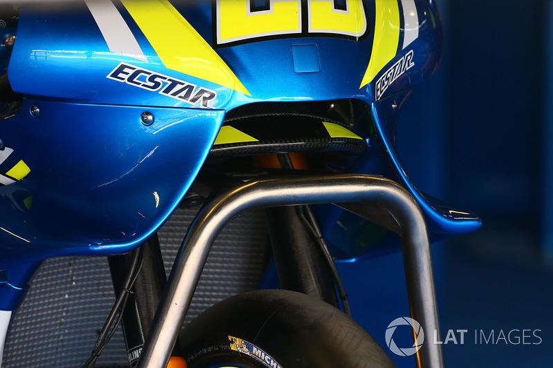 Detalle de las alas de la moto del Team Suzuki MotoGP