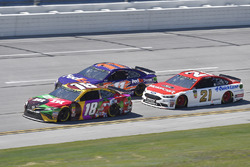Kyle Busch, Joe Gibbs Racing, Toyota Camry M&M's Flavor Vote, Denny Hamlin, Joe Gibbs Racing, Toyota Camry FedEx Express, Paul Menard, Wood Brothers Racing, Ford Fusion Motorcraft / Quick Lane Tire & Auto Center