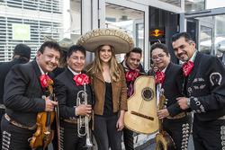 Lety Sahagun, with Mariachi band