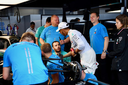 Lewis Hamilton, Mercedes-AMG F1 celebrates with the team