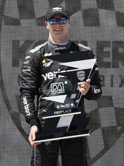 Podio: Josef Newgarden, Team Penske Chevrolet celebra