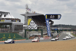 #91 Porsche GT Team Porsche 911 RSR: Richard Lietz, Gianmaria Bruni, Frédéric Makowiecki, #92 Porsche GT Team Porsche 911 RSR: Michael Christensen, Kevin Estre, Laurens Vanthoor, start