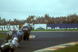 Crowd cheer on Wayne Gardner, Honda