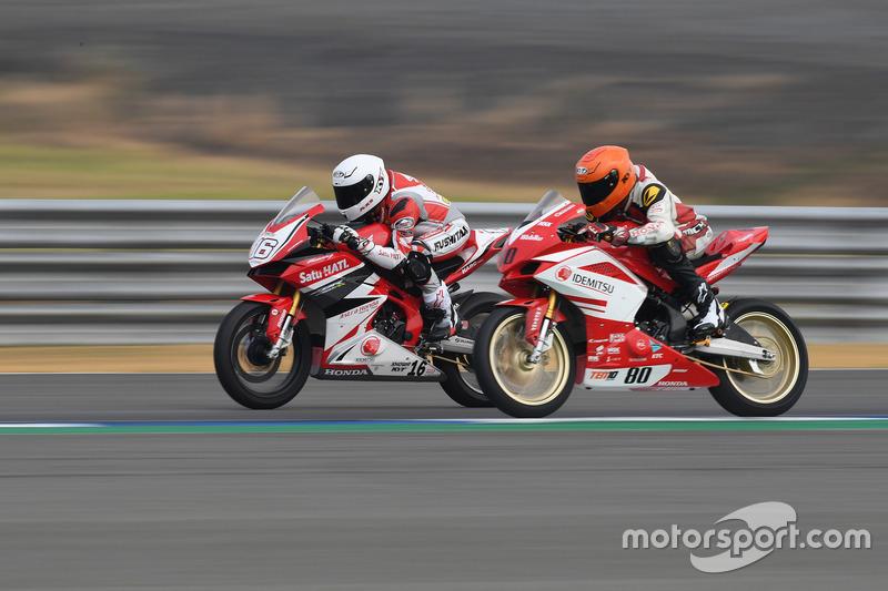 AP250: Mario Suryo Aji, Astra Honda Racing Team and Sethu Rajiv, Idemitsu Honda Racing India by T.Pro Ten10