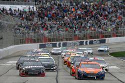 Clint Bowyer, Stewart-Haas Racing, Haas Automation Ford Fusion Brad Keselowski, Team Penske, Autotrader Ford Fusion