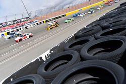 Christopher Bell, Joe Gibbs Racing, Toyota Camry Rheem-Smurfit Kappa e Kyle Larson, Chip Ganassi Racing, Chevrolet Camaro DC Solar