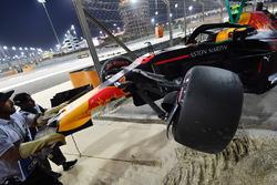 Разбитый автомобиль RB14 Макса Ферстаппена, Red Bull Racing