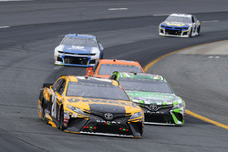 Erik Jones, Joe Gibbs Racing, Toyota Camry DeWalt and Kyle Busch, Joe Gibbs Racing, Toyota Camry Interstate Batteries
