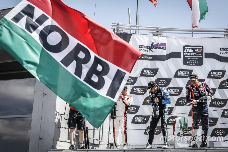 Podium: Race winner Norbert Michelisz, BRC Racing Team Hyundai i30 N TCR, second place Aurélien Comte, DG Sport Competition Peugeot 308TCR, third place Frédéric Vervisch, Audi Sport Team Comtoyou Audi RS 3 LMS