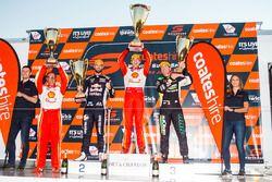 Podium: race winner Scott McLaughlin, DJR Team Penske Ford, second place Shane van Gisbergen, Triple Eight Race Engineering Holden, third place Craig Lowndes, Triple Eight Race Engineering Holden