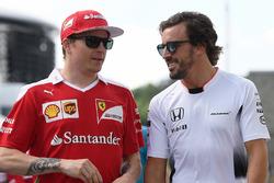 Kimi Raikkonen, Ferrari e Fernando Alonso, McLaren