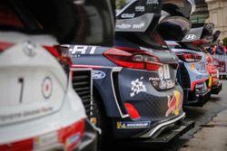 La photo de groupe des voitures WRC 2018