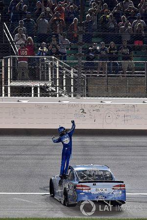 1. Kevin Harvick, Stewart-Haas Racing, Ford Fusion