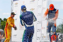 Scott Dixon, Chip Ganassi Racing Honda, Ryan Hunter-Reay, Andretti Autosport Honda, Alexander Rossi, Andretti Autosport Honda, Celebrates on the podium