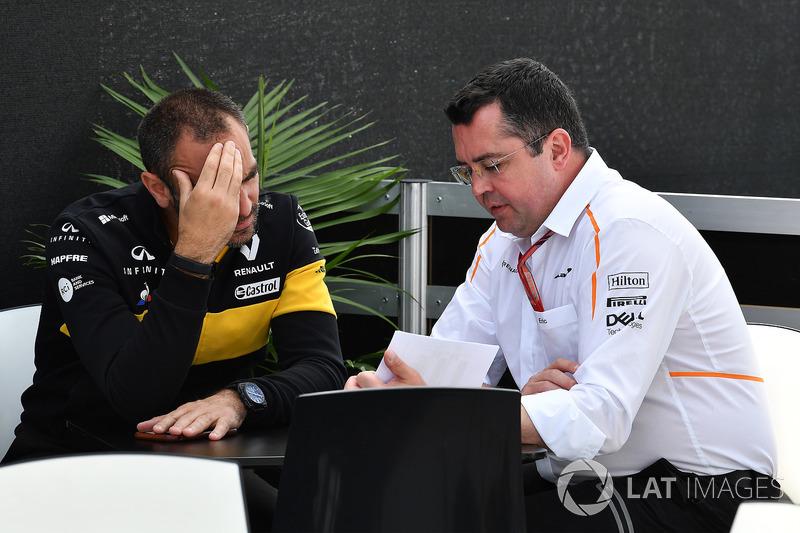 Cyril Abiteboul, director ejecutivo de Renault Sport F1 y Eric Boullier, director de McLaren Racing
