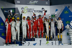 LMGTE Am podium: winnaars Francois Perrodo, Emmanuel Collard, Rui Aguas, AF Corse, tweede plaats Pau