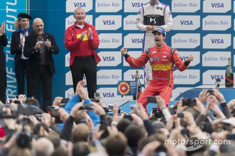 Podio: ganador de la carrera Lucas di Grassi, ABT Schaeffler Audi Sport