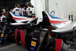La DS Virgin Racing de Jean-Eric Vergne avec un capot moteur aux couleurs du drapeau français