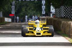 René Arnoux im Renault RS01