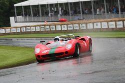 John Surtees im Lola Chevrolet T70 Spyder