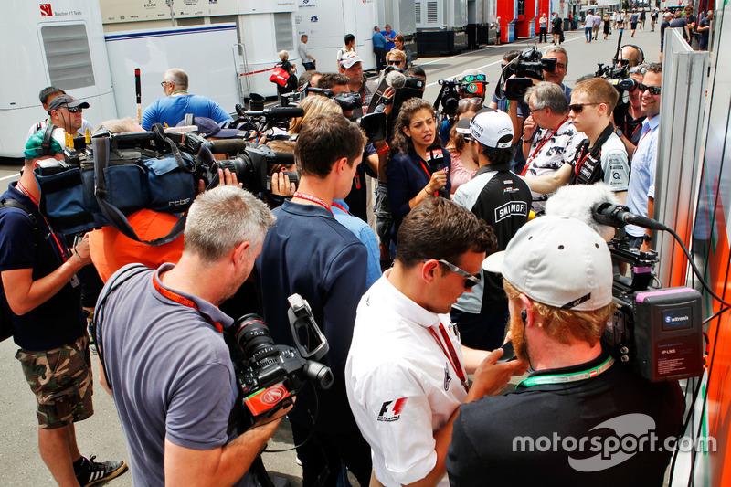 Sergio Perez, Sahara Force India F1 medya ile