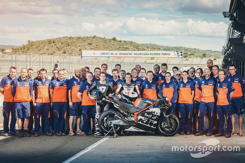 Gruppenfoto von KTM in Valencia