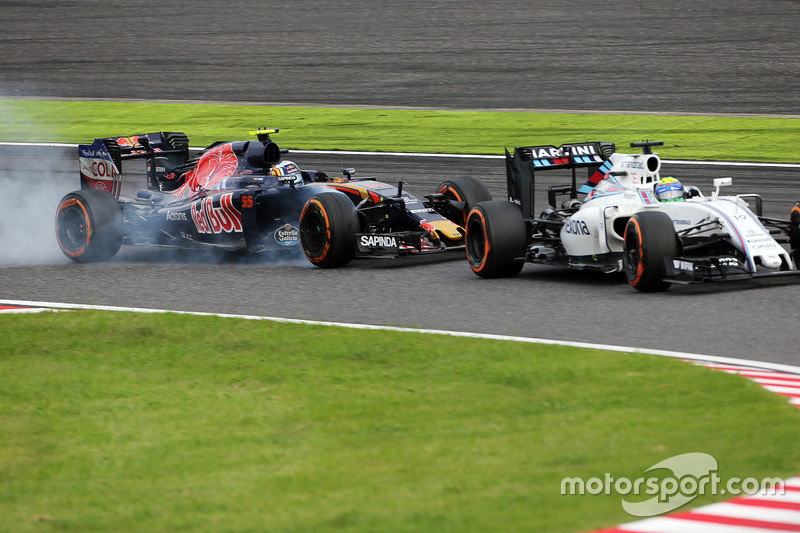 Felipe Massa, Williams FW38 e Carlos Sainz Jr, Scuderia Toro Rosso STR11 lottano per la posizione