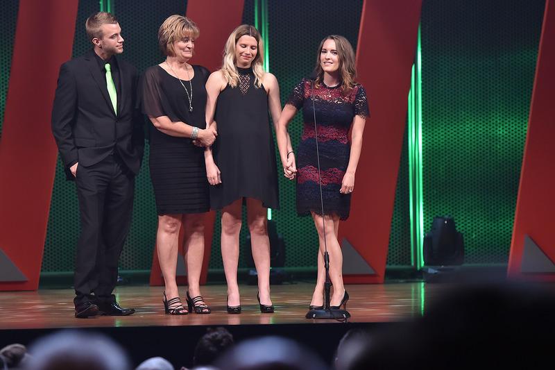 Bryan Clauson's fiancée Lauren Stewart y su familia