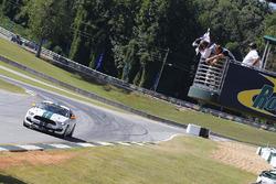 Damalı Bayrak: #15 Multimatic Motorsports Ford Shelby GT350R-C: Scott Maxwell, Billy Johnson