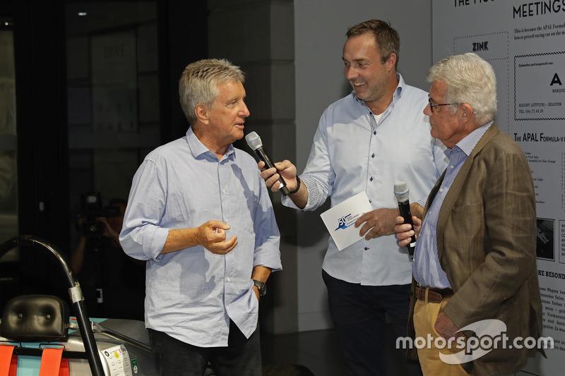 Klaus Niedzwiedz, Patrick Simon, Rainer Braun en el evento de apertura