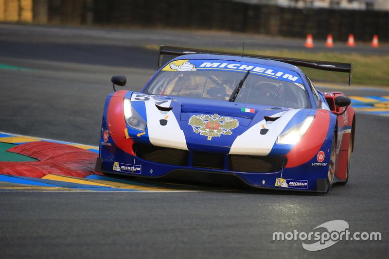 #57 AF Corse Ferrari 488: Aleksey Basov, Victor Shaitar