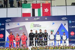 LM GTE Am podio: primer lugar Khaled Al Qubaisi, David Heinemeier Hansson, Patrick Long, Proton Racing, segundo lugar Francois Perrodo, Emmanuel Collard, Rui Aguas, AF Corse, tercer lugar Christian Ried, Wolf Henzler, Joël Camathias, KCMG