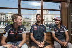 Daniel Ricciardo, Carlos Sainz Jr. and Daniil Kvyat chat on the historical tram of Milano