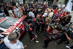 Starting grid, #00 AMG-Team Black Falcon, Mercedes AMG-GT3: Maro Engel, Music Band, Linkin Park, Band Members