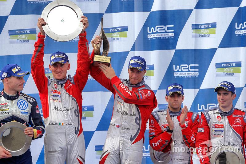 Ganadores Kris Meeke, Paul Nagle, Citroën DS3 WRC, Citroën World Rally Team, tercer lugar Craig Breen, Scott Martin, Citroën World Rally Team