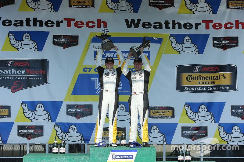 Yarış galibi  Antonio Garcia, Jan Magnussen, Corvette Racing