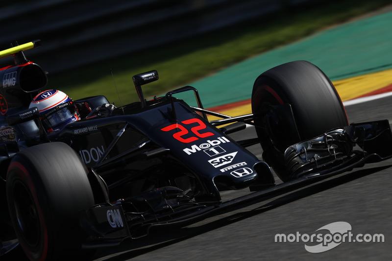 Jenson Button, McLaren in pista